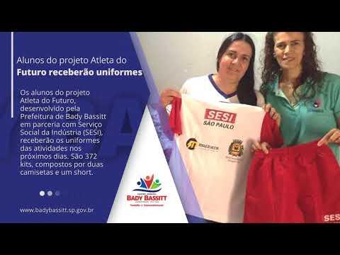 Alunos do Programa Atleta do Futuro recebem novos uniformes em Bady.