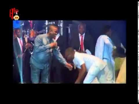 OLAMIDE AND WASIU AYINDE PERFORM TOGETHER ON STAGE (Nigerian Entertainment)