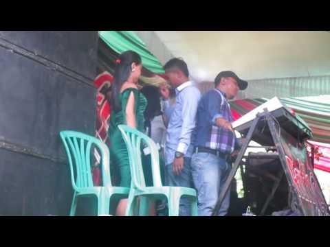Goyang Kocok with Putri Rafha musik