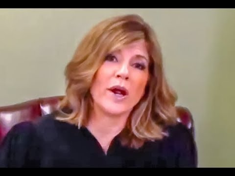 Judge Tells Defendants To Vote Trump In 2020 (видео)
