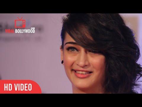 Akshara Haasan at Filmfare Awards 2016 | Red Carpet | ViralBollywood