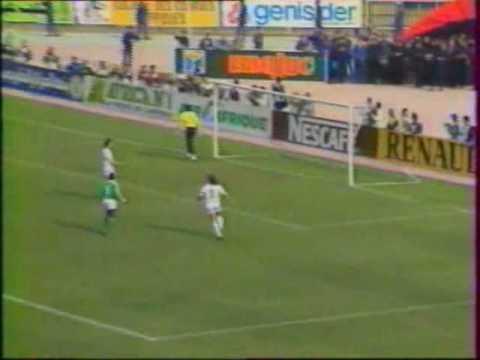 Algeria sale campeón de la Copa de África, al vencer a Nigeria en la final.