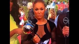 Ronda Rousey Floyd Mayweather Seslenir Diğer en popüler videolarımız için http://www.enpopulervideo.besaba.com dan takip edebilirsiniz.