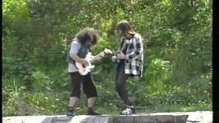 Video Řeka proudí dál