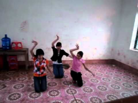 Bài múa  CÔ GIÁO EM .lớp 8b trường THCS Đạo Tú