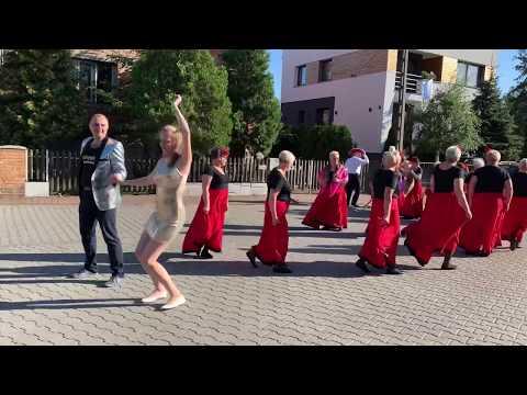 Wideo1: Zatańczyli na ul. Stanisława Moniuszki w 200 rocznicę urodzin kompozytora