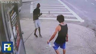 Desayunaba tranquilamente en una calle de Nueva York cuando recibió una puñalada mortal