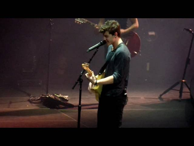 Shawn Mendes Lights On New Song Live At Madison Square Garden