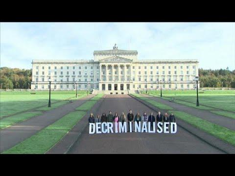 Β. Ιρλανδία: Αποποινικοποιήθηκε η άμβλωση