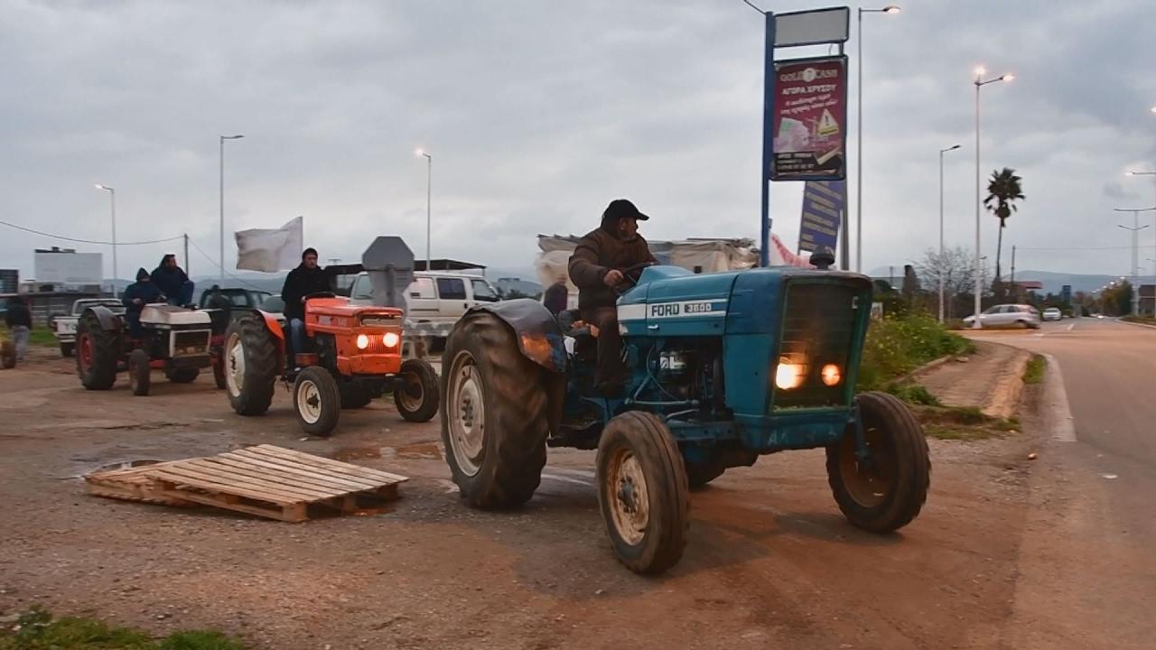 Συλλαλητήριο και πορεία με τρακτέρ έκαναν οι αγρότες της Αργολίδας