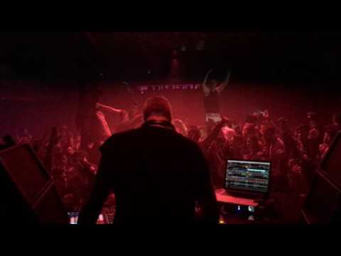 Siles playing The Deals - Spooky Science (Original Mix) [UNSIGNED] at Barraca 51 Anniversary.