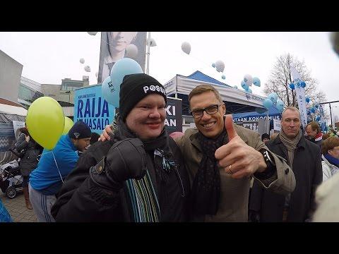 Pääministeri Alexander Stubb ja Hjallis Harry Harkimo Kokoomus Korson Maalaismarkkinat 2015 tekijä: UncleSamPatriot