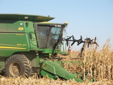 Hawkins Down Corn Reel on a John Deere 606C Head