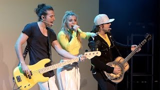 The Band Perry Performs 'Live Forever'