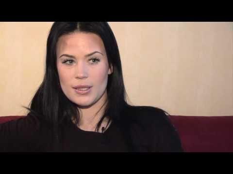 Martina Aitolehti laulutunnilla tekijä: DigituoteTV