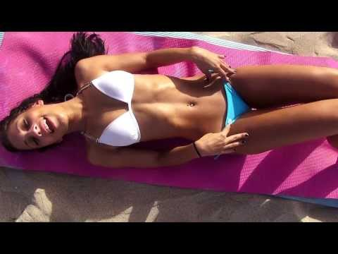 Crunches!!! Beach Bikini Abs Workout!!