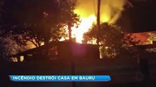 Incêndio destrói casa na Vila Industrial em Bauru
