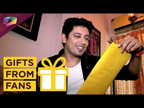 Khushwant Walia Receives Gifts From His Fans