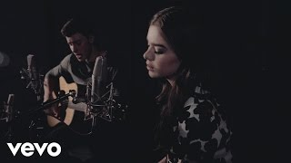 Video Shawn Mendes & Hailee Steinfeld - Stitches ft. Hailee Steinfeld MP3, 3GP, MP4, WEBM, AVI, FLV April 2018