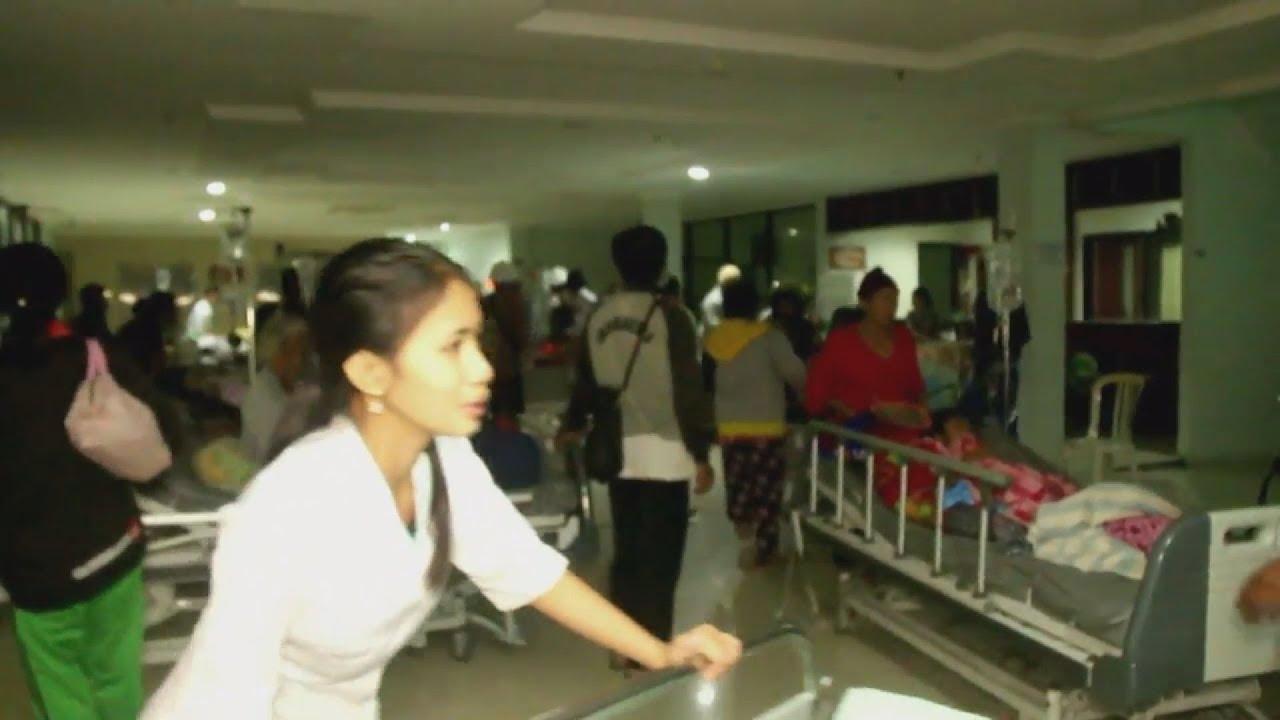 Ινδονησία: Δεκάδες νεκροί και τραυματίες από τον ισχυρό σεισμό