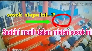 Video sosok makhluk misterius sebelum dan sesudah gempa 7 SR di Lombok MP3, 3GP, MP4, WEBM, AVI, FLV Maret 2019