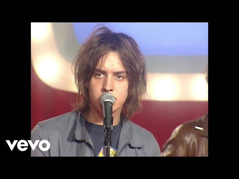 Strokes - Music video by The Strokes performing Last Nite. (C) 2001 BMG.