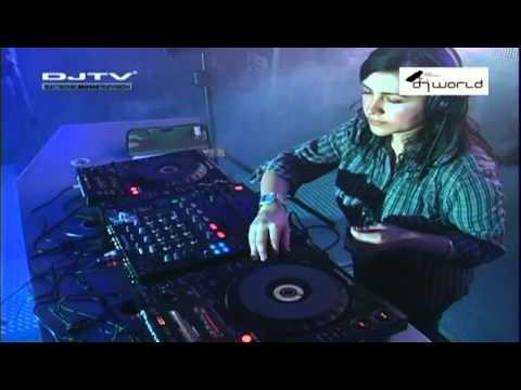DJ MISS VOLTAGHE