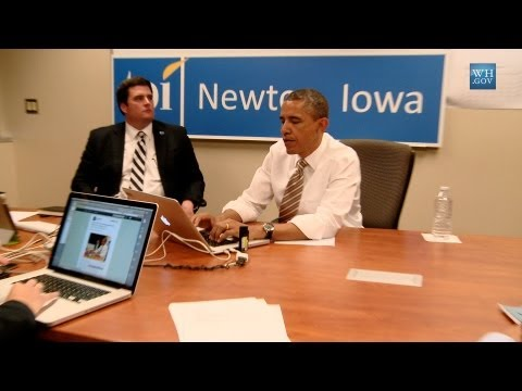 Dietro le quinte con Obama che twitta