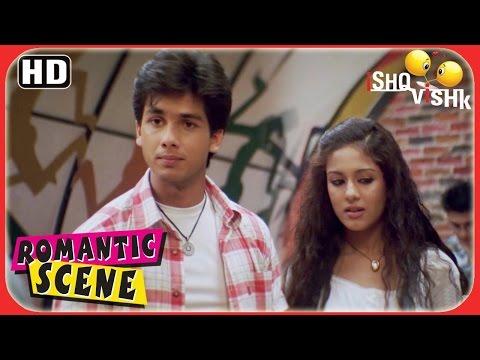 Video Shahid declares that Amrita is his GF - Ishk Vishq Scenes - Superhit Romantic Scenes download in MP3, 3GP, MP4, WEBM, AVI, FLV January 2017