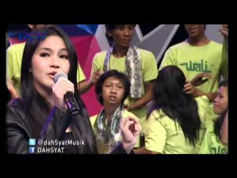 Aurel & Deanda Puteri - Pilihlah Aku (Live @Dahsyat 2 Oct 2012)