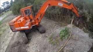 Excavator Tree removal (timelapse)