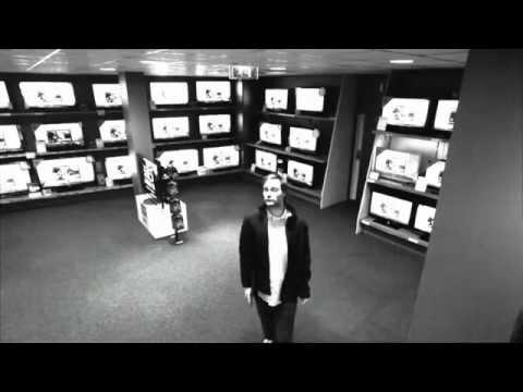 這個小偷真厲害!在監視器下還能空手把42吋的液晶電視偷走