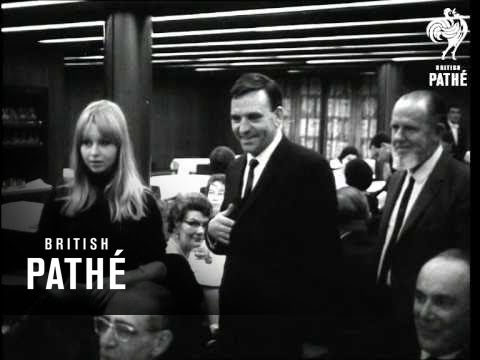 "World Premiere Of ""Theyre A Weird Mob"" In Australia. (1966)"
