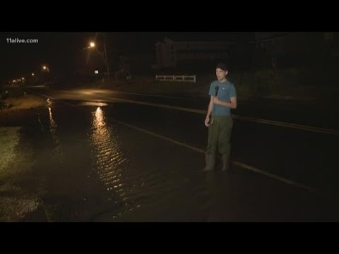 Outer Banks beginning to flood ahead of Florence landfall