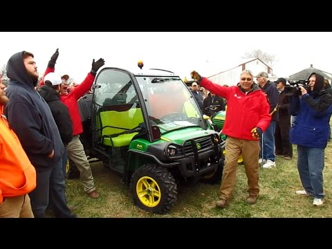 2015 John Deere 825i Gator with 277 Hours Sold Today on Missouri Farm Auction
