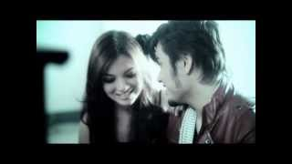 Video Awi Rafeal - Bila Aku Jatuh Cinta [OFFICIAL VIDEO] MP3, 3GP, MP4, WEBM, AVI, FLV Desember 2017