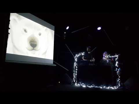 The Bear par le duo OCO