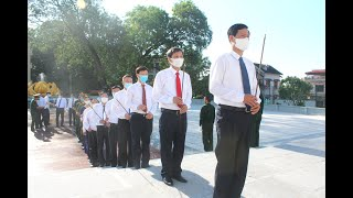 Lãnh đạo thành phố viếng anh hùng liệt sỹ, dâng hương tại Đài tưởng niệm Bác Hồ