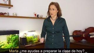 """You can buy the software to practice:""""Practiquemos más"""" ➤ http://www.practiquemos.com/espanol¡SUSCRÍBETE! [please subscribe]: http://goo.gl/dP6qzBPAGINA WEB [webpage]: http://www.practiquemos.com""""Practiquemos más"""" [software to practice]: http://www.practiquemos.com/espanolNEWSLETTER: http://www.practiquemos.com/newsfacebook: http://www.facebook.com/PRACTIQUEMOSGoogle+: http://google.com/+PractiquemosEspanolTwitter: @practiquemosFree Spanish lessons - Imperative mood How to use direct object pronounsIMPERATIVO INFORMAL (TÚ) - PARTE VEl complemento directo y los verbos en Imperativo——————————————————lo - la - los - las——————————————compra el café ➤ cómpralocompra la leche ➤ cómpralacompra los tomates ➤ cómpraloscompra las uvas ➤ cómpralas—————————-Otros ejemplos:—————————-mira esta foto ➤ míralalee este libro ➤ léelovende tu bicicleta  ➤ véndelaabre la ventana ➤ ábrelacierra la puerta ➤ ciérralamueve los brazos ➤ muéveloscuenta el dinero ➤ cuéntalorepite los verbos ➤ repítelospon la llave aquí ➤ ponla aquíescribe tu nombre aquí ➤ escríbelo aquídi la verdad ahora ➤ dila ahoralávate la cara ➤ lávatelasécate el pelo ➤ sécateloponte el abrigo ➤ pónteloponte los guantes ➤ póntelos—————————-Diálogos con Marta—————————-Cata: Marta, ¿me ayudas a preparar la clase de hoy?Marta:Sí, claro Cata ¿necesitas los verbos?Cata: Sí, tráelos por favor.Marta: Aquí estánCata: Ah, perfecto. Ponlos encima de la mesa.Marta: Aquí están las tijeras.Cata: Ah, no.  Las tijeras no. Llévalas a la cocina.Marta: ¿cierro la puerta?Cata: Sí, ciérrala.Vocabulario:el café, la leche, los tomates, las uvas, las tijeras, el libro, la puerta, la ventana, el secador de pelo, el abrigo, el pelo, la cara, el dinero, los brazos, los guantes, la bicicleta, el dinero, la foto, nombre, ahora, la verdad."""