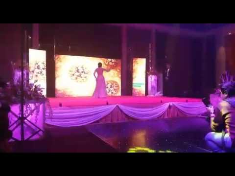 Video Beautiful Bride and Groom Dance in Wedding on raabta and Chaar kadam choreo by Kirti Rathi Sikaria download in MP3, 3GP, MP4, WEBM, AVI, FLV January 2017