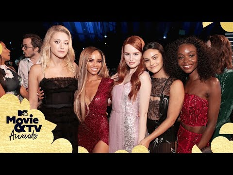 The 'Riverdale' Cast's Red Carpet Looks & Best Moments | 2018 MTV Movie & TV Awards (видео)
