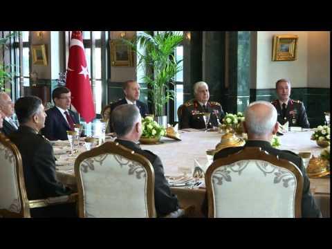 TC CUMHURBAKANLII  Cumhurbakan Erdoandan YA yelerine le Yemei