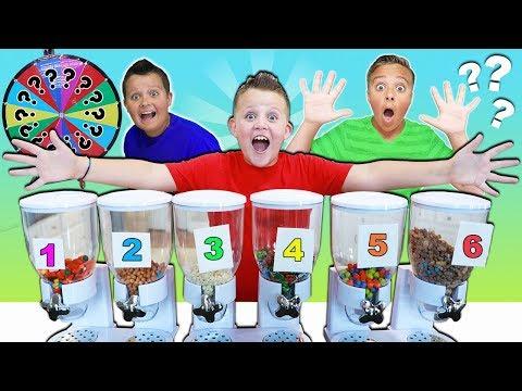 MYSTERY CANDY DISPENSER HALLOWEEN ROULETTE GAME! FUN FUN FUN! kids candy