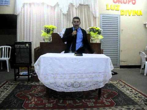 Pastor Rogério pregando IPDA em Riolandia SP