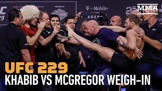 Video UFC 229 Weigh-Ins: Conor McGregor Tries to Kick Khabib Nurmagomedov MP3, 3GP, MP4, WEBM, AVI, FLV Desember 2018