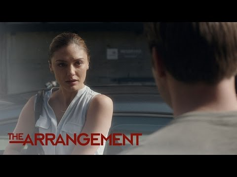 Kyle West Makes His Move on Megan Morrison | The Arrangement | E!