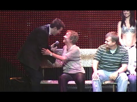 Mother and Daughter Hypnotized - Comedy Hypnosis