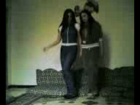 bu kızlar süper dans ediyo liseli kızlar