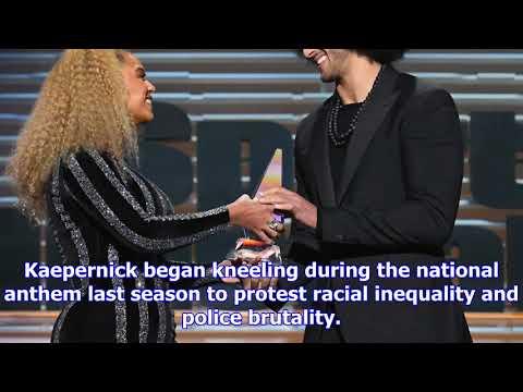 Beyonce presents colin kaepernick with muhammad ali award