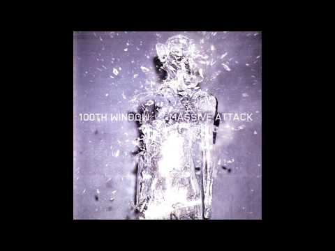 Tekst piosenki Massive Attack - Small Time Shot Away po polsku